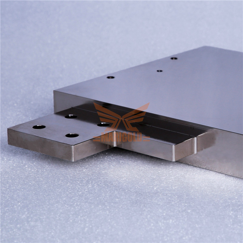Vacuum brazed water cooling plate